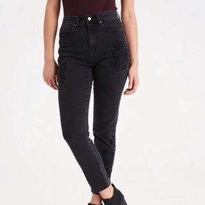 American Eagle Embroidered Mom Jeans